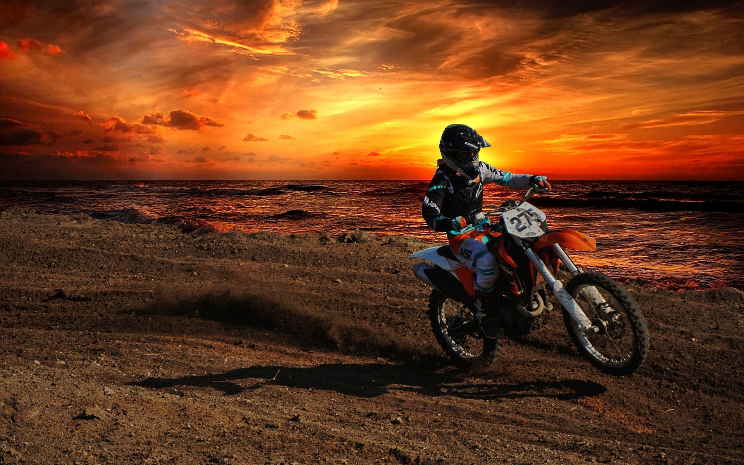 этаж картинки мотоциклистов и закат запросу кейс